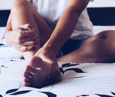 Masaż próżniowy udrażnia naczynia limfatyczne.