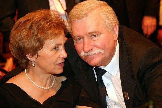 """Lech Wałęsa zdradza szczegóły życia intymnego z żoną. """"Na to nie było czasu"""""""