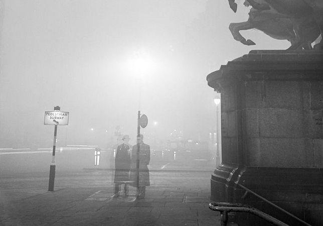 Smog doprowadził do środowiskowej katastrofy oraz śmierci tysięcy londyńczyków