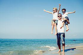 Jak ubrać dziecko na letni spacer? Modna garderoba dla malucha!
