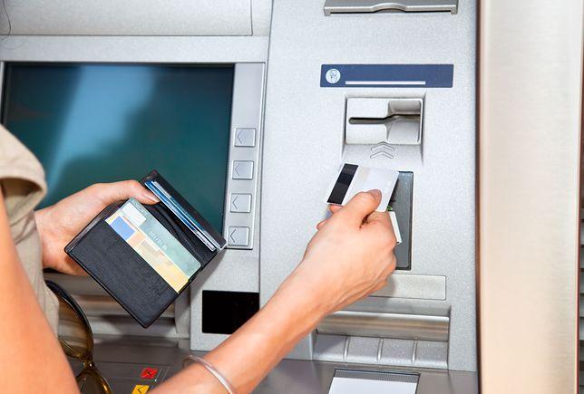 Problemy klientów kilku banków w ten weekend. Niektóre usługi nie będą działać