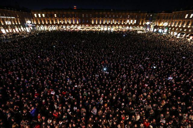 "Okazują solidarność z ""Charlie Hebdo"""