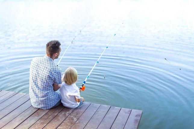 Dla części ojców dłuższe wakacje, to dłuższa rozłąka z dziećmi
