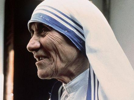 Matka Teresa z Kalkuty – nie taka święta?