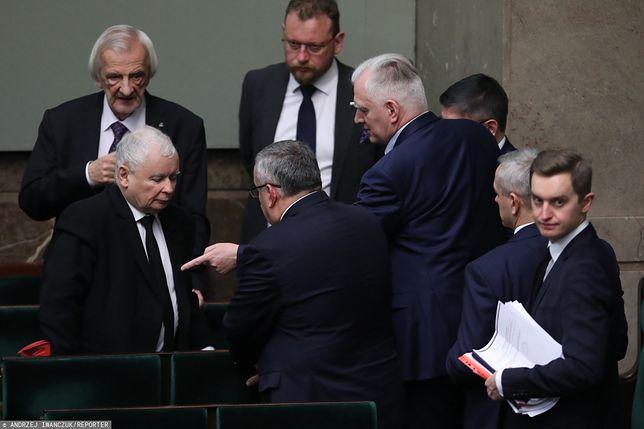 Rekonstrukcja rządu. Sebastian Kaleta, Jarosław Kaczyński, Jarosław Gowin i inni politycy PiS.