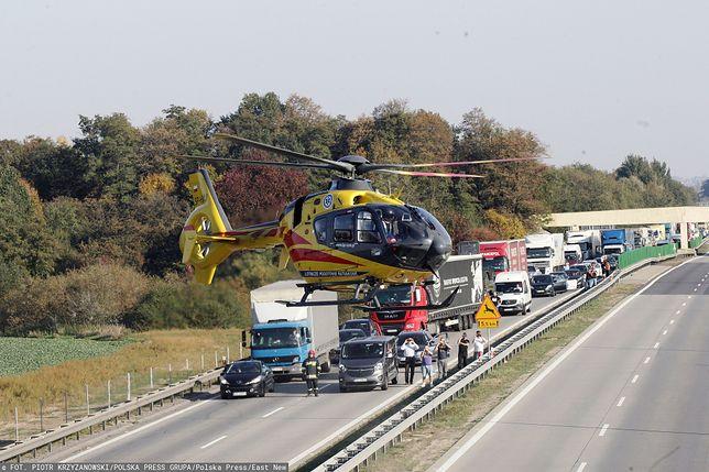 A2. Karambol na autostradzie. W akcji ratunkowej brał helikopter LPR (zdj. ilustr.)