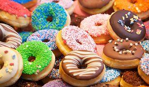 Tłusty Czwartek 2019: pączki tradycyjne, amerykańskie donuty lub gniazdka? Sprawdź, jakie rodzaje pączków oferują cukiernie i sklepy