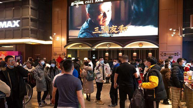 W Chinach kina przechodzą prawdziwe oblężenie widzów