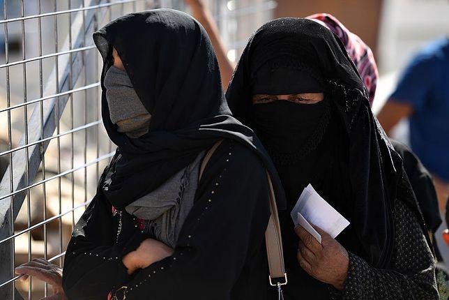 Wzorzyste tkaniny przeciwko dżihadowi. Kobiety na wojnie z radykalnym islamem