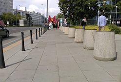 Szczyt NATO. Służby porozstawiały kosze po całym mieście. Zniknęły także donice z kwiatami