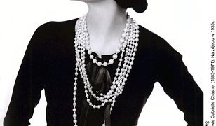 """""""Coco Chanel. Sypiając z wrogiem"""" - nowa, szokująca biografia"""