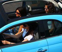 Kobiety za kierownicą: jest ich więcej i powodują więcej wypadków