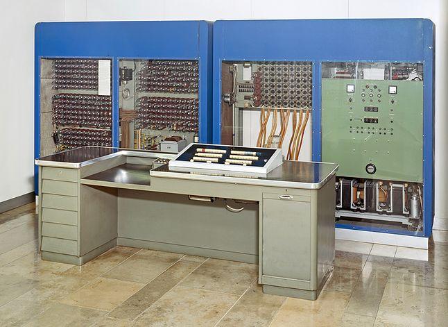 Zuse Z22, jeden z pierwszych, komercyjnych komputerów RFN.