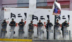 Gwardia Narodowa w Caracas w czasie wyborów, 6 grudnia 2015 r.