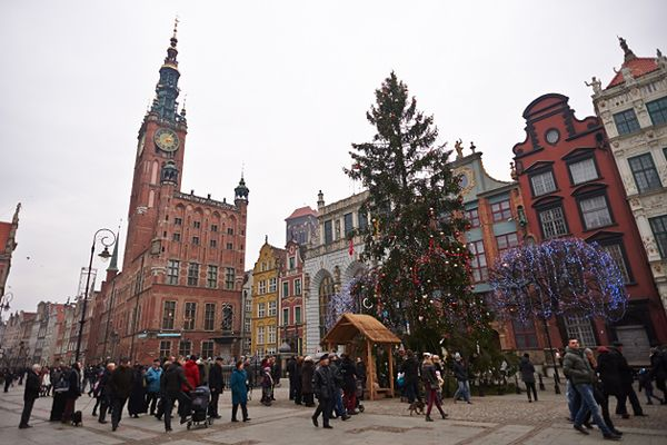 Gdańska starówka w drugi dzień świąt; w Sylwestra na północy kraju będą chmury, może też padać