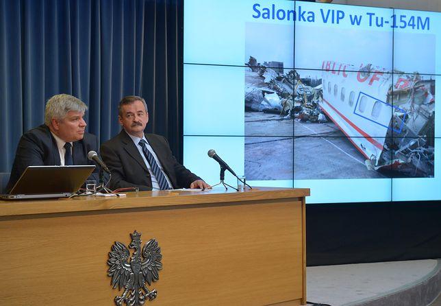 Od lewej: Były przewodniczący Państwowej Komisji Badania Wypadków Lotniczych Maciej Lasek oraz członek PKBWL Edward Łojek