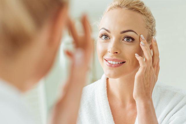 Jeśli będziesz dbać o skórę wokół oczu, zmarszczki pojawią się dużo później