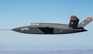 """XQ-58A Valkyrie podczas testów na poligonie. Może być następcą """"Żniwiarza"""""""