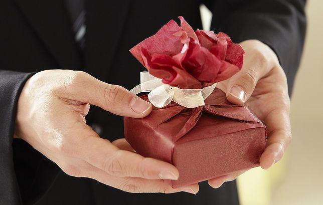 Wyjątkowo nietrafiony prezent na walentynki. Lepiej się go pozbyć