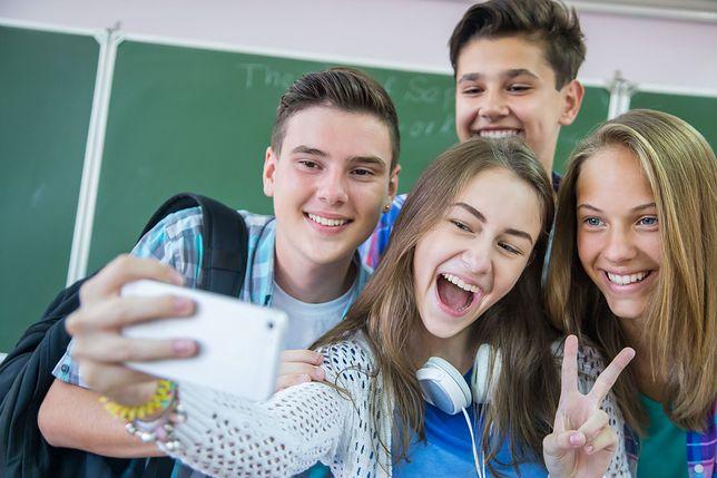 OK boomer to slang używany przez coraz młodsze pokolenia.