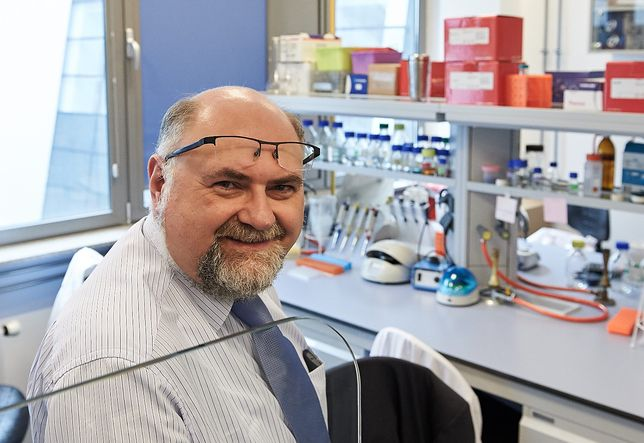 Koronawirus w Polsce. Według eksperta epidemię pokonamy nawet bez szczepionki