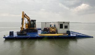 Sprzęt do budowy wyspy został już przygotowany.