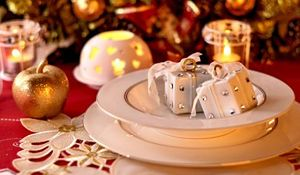 Niepowtarzalne dekoracje wigilijnego stołu. Przygotuj wnętrza na Boże Narodzenie