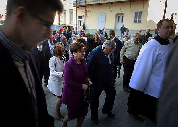 Premier Beata Szydło z mężem na uroczystości święceń swojego syna