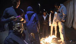Chociaż obozowiska migrantów w Calais są likwidowane, cały czas powstają nowe