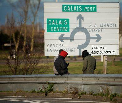 Imigranci wciąż przebywają we francuskim Calais.