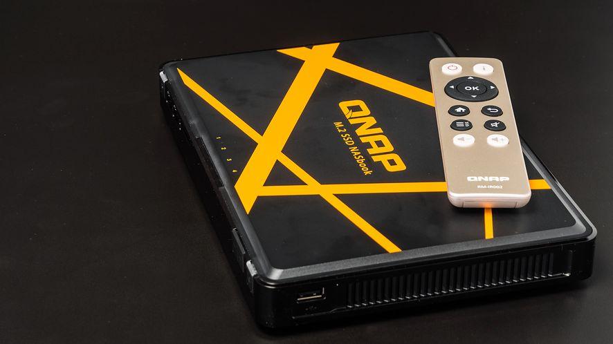 Qnap NASBook TBS-453A, miniaturowy NAS na dyski SSD SATA M.2