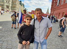 Muin Bachonaev urodził się z długimi rzęsami. Wzbudza sensacje na ulicach Moskwy