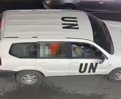 Para na tylnym siedzeniu. Oburzające nagranie. Pracownicy ONZ zawieszeni