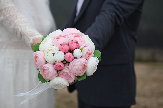 Urząd skarbowy wzywa nowożeńców do składania wyjaśnień.