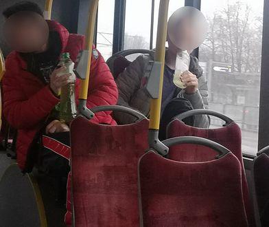 Pasażerowie spożywali alkohol w autobusie