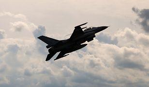 Wypadek myśliwca obserwowały tysiące ludzi