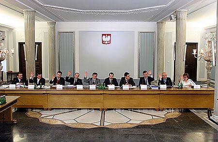 Komisja bankowa zacznie od Balcerowicza
