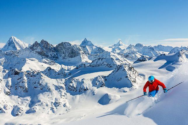 Ile w tym sezonie kosztuje wyjazd na narty? Sprawdzamy opcje z dojazdem własnym, samolotem i autokarem