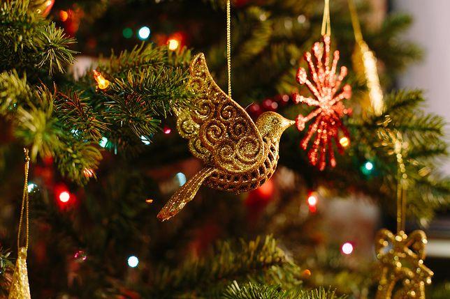 Tradycyjne życzenia świąteczne najczęściej wysyłamy w formie kartki świątecznej