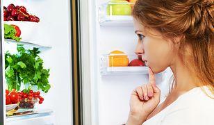 Banany, cytrusy i czosnek. Czy można przechowywać je w lodówce?