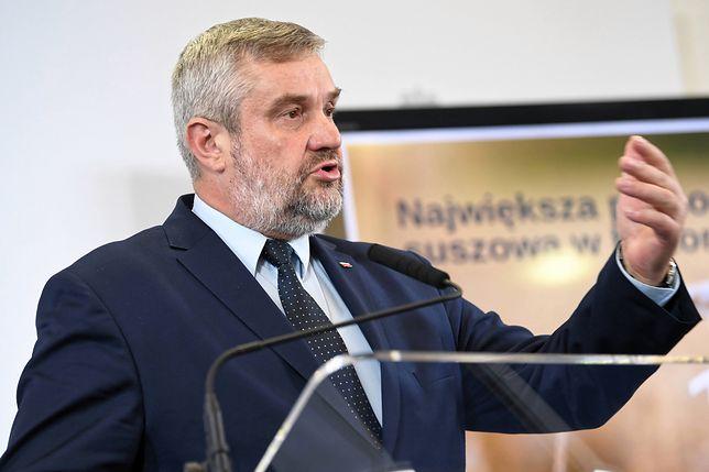 """Jan Krzysztof Ardanowski chce zaostrzyć kryteria dla ferm, by uniknąć """"patologii"""" w hodowli"""