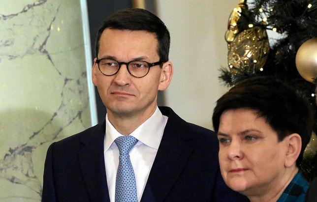 Mateusz Morawiecki i Beata Szydło na uroczystości powołania nowych ministrów.