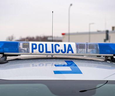Policja wyjaśnia okoliczności pobicia mężczyzny w okolicach Lesznowoli pod Piasecznem