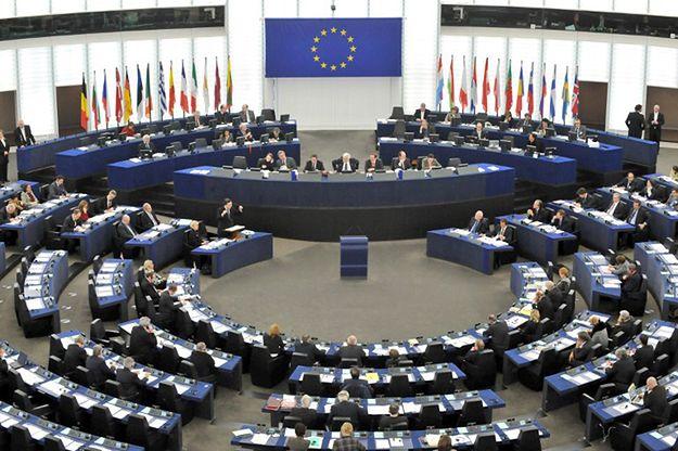 Spór o Trybunał Konstytucyjny. Komisja Europejska podtrzymuje zastrzeżenia do polskiej ustawy o TK