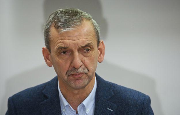 Wpis Sławomira Broniarza na Twitterze: ponad 2 mln zł dla Elbanowskich na konsultacje zmian w edukacji. Jest odpowiedź Tomasza Elbanowskiego: prezes ZNP jest niewiarygodny