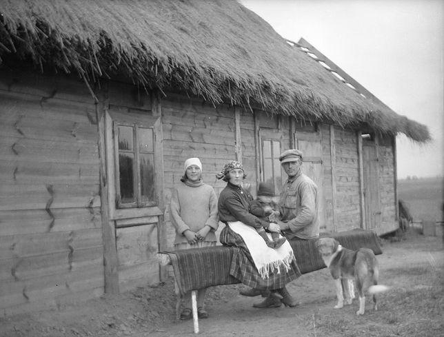 Wołyński osadnik wojskowy z rodziną