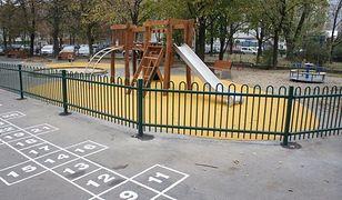 Nowy plac zabaw przy Krochmalnej (ZDJĘCIA)