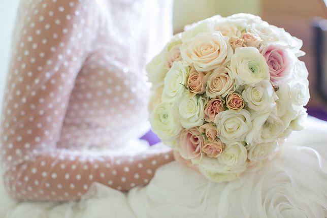 Biała suknia to klasyka ślubna, jednak nie jest to kolor obowiązkowy