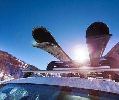 Jadąc na narty autem do Austrii czy Szwajcarii, musimy przygotować się na zakup winiet - Słowacja i Czechy są tańsze