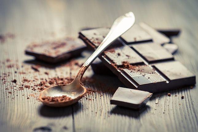 Gorzka czekolada cechuje się bardzo ciemnym kolorem i charakterystycznym, lekko cierpkim smakiem